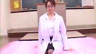 Best Japanese model Misa Nishida in Crazy Cougar, Blowjob JAV clip