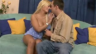 A chance to seduce her friend`s brother