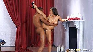 Top-Notch Cougar Lisa Ann's Sensual BBC Spooning