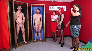 Naked man gets his dick sucked by Jesse Jayne and Roxi Keogh