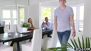 Quasi Aunt Nicole Aniston Charms Youngster