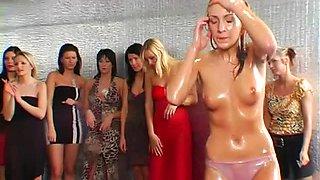 Bikini girls oil wrestling video