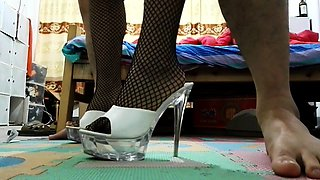 Slut in heels and fishnet nylons banged in spycammed room