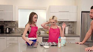 Cooking show with bisex teens ends in taboo family fuck