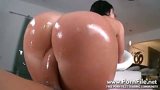 Perfect Ass with Nikki Delano