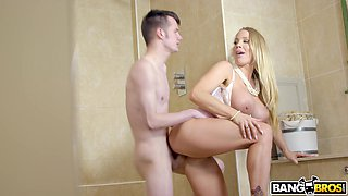 Nice fucking between horny mature Rebecca More and a younger man