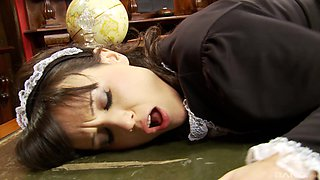 Maid fucked in the pussy while screaming