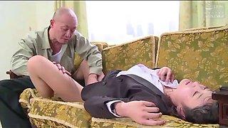 Femme d&#39affaires japonaise force par son patron (full: tinyurl.comy7xv2nfd)