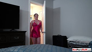 Busty MILF stepmom Sheena Ryder offering her pussy for a taboo fuck
