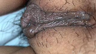 Korean guy licks Vietnamese girlfriend's pussy