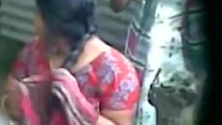 desi indian aunty taking baths hidden web camera