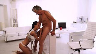 Extreme old and girl solo xxx Finally she's got her boss