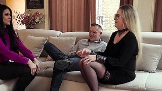 MARISKAX Mariska joins a hot swinger couple