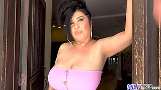To seduce her neighbor horny MILFie fatty flashes her giant saggers