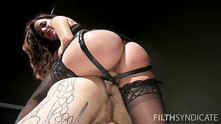 Adorable Gia Dimarco uses a strapon to fuck a her horny lover