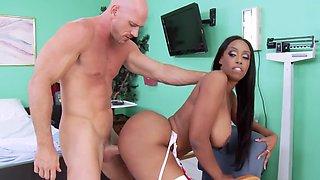 Nice Ebony nurse plays with patient's cock to orgasm