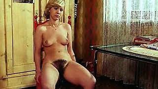 Retro naked hoties pose and take pictures