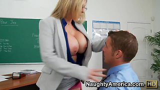 Erotic teacher Sara Jay getting her pussy licked in class