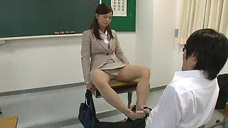 Horny homemade Cougar, Foot Job sex video
