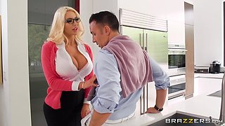 Nicolette Shea needs no glasses, only to protect her from cumshots
