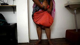 Bhabhi  Wear Saree in Home