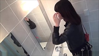 PissJapanTV sexy Japanese girls filmed pissing