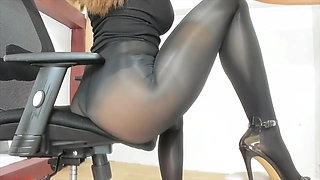 my pantyhose sex pal Laura