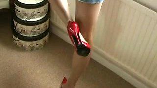 footjob, shoejob in hawt red high heels