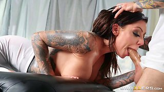 How To Fuck Your Masseur Free Video With Karma Rx & Small Hands - Brazzers