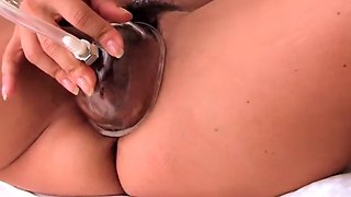 Sexy cougar pumping big clit