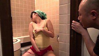 Yuka Wakatsuki is doing her business in the toilet,