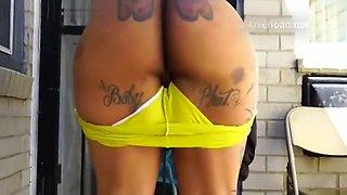 Bigass booty