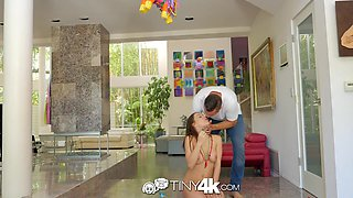 Pussy licking guy Danny Mountain fucks sexy girlfriend and makes her orgasm